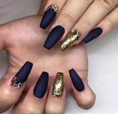 31 trendy nails black and gold glitter navy blue Coffin Nails coffin nails navy blue Blue Matte Nails, Navy Blue Nails, Gold Acrylic Nails, Blue Coffin Nails, Matte Black, Matte Gold, Black And Blue Nails, Dark Blue, Gold Nail Designs