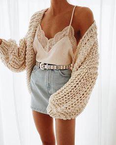 45 Cute Crop Tops Every Girl Should Own in 2019 – Summer outfits 45 Cute Crop Tops Every Girl Should Own in 2019 – Summer outfits cute outfits with a cCrop top outfits for summBrandy Melville White Flo Mode Outfits, Trendy Outfits, Fall Outfits, Fashion Outfits, Womens Fashion, Cute Skirt Outfits, Sweater Outfits, Dress Fashion, Fashion Clothes