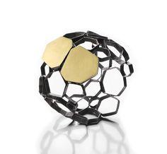 Platform for the communication of the international art jewellery. Gioielli in Fermento 2017 Master Collection Jewelry Art, Jewellery, Jewelry Ideas, Bubble, Cd Art, Italian Jewelry, Work Inspiration, Diamond Are A Girls Best Friend, Bangles