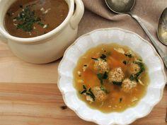Kuřecí vývar s drožďovými knedlíčky nebo bezlepkovými drožďovými nočky Curry, Cooking, Ethnic Recipes, Food, Kitchen, Curries, Essen, Meals, Yemek