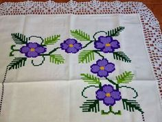 Mexican Designs, Cross Stitch Rose, Crochet Lace, Crochet Projects, Lily, Cross Stitch Patterns, Hand Embroidery Flowers, Cross Stitch Designs, Cross Stitch Samplers