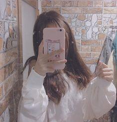 Girl Photo Poses, Girl Photography Poses, Girl Photos, Korean Girl Photo, Cute Korean Girl, Korean Aesthetic, Aesthetic Girl, Selfi Tumblr, Korean Photoshoot