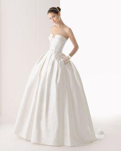 172 Colombia (Vestido de Noiva). Estilista: Rosa Clará. ...