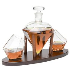 A collection of glass wine decanters for sale online. Crystal red wine decanters, electric wine aerators, octopus wine decanters, handheld wine aerators and more! Whiskey Decanter, Whiskey Drinks, Scotch Whiskey, Irish Whiskey, Vodka Tequila, Flute Champagne, Gadgets, Wine Making, Gifts