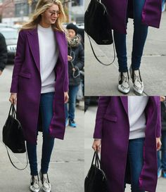 De volta aos looks de inverno!  Vejam como a Gigi combina as peças de forma equilibrada e fashion!💟💫 Este tipo de look com casaco longo, jeans e sapato estampado está super em alta. Ela ainda acrescentou um toque de estilo do óculos redondo, marrom. #creative #fashion #style #fallwinter #gigihadid