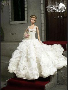 Unicorn's White Collection by Refugio Rosa Barbie Bridal, Barbie Wedding Dress, Wedding Doll, Barbie Dress, Barbie Clothes, Wedding Dresses, Barbie E Ken, Manequin, Bride Dolls