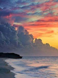 Sunset at Varadero Beach, Cuba . those clouds, that sky. Beautiful Sunset, Beautiful World, Beautiful Places, Amazing Places, Beautiful Scenery, Beautiful Moments, Beautiful Artwork, Amazing Nature, Belle Photo