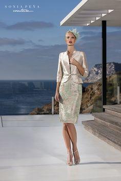 Sonia Peña Couture, vestidos de estilistas, noite e casamentos. Coleções de festa vestido curto e noite de núpcias. Ternos e vestidos de cocktail para ocasiões especiais.