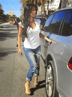 COOL GIRL CROPPED JEANS #streetchic #jeans #coolgirl - Being Femme