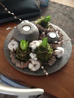 A nice decoration cake on the table? Look here 8 fresh Id… - Deco . Buy Candles, Beeswax Candles, Art Floral Noel, Christmas Decorations, Christmas Ornaments, Holiday Decor, Deco Nature, Deco Floral, Bulb Flowers