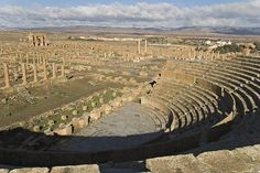 المسرح الروماني في تيمقاد