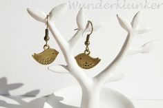 Ohrhänger ♪♫ Piepmatz ♪♫ // Vogel bronze von Wunderklunker auf DaWanda.com
