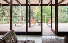 A Luscious Mid-Century Modern Retreat in the Australian Bush - Mid Century Home Australian Bush, Australian Homes, Airbnb Australia, Melbourne Suburbs, Yarra Valley, Refuge, Chula, The Design Files, Mid Century House