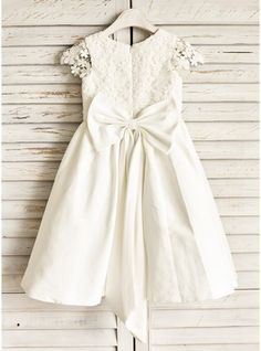 A-Line Princess Knee-length Flower Girl Dress - Cotton Sleeveless Scoop  Neck With Lace Bow(s) - Flower Girl Dresses - JJsHouse 80ca510af86b