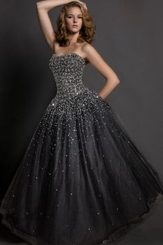 Bustier Robe de Bal Fourchure Naturel En Tulle RDC206 Lovely Dresses, Beautiful Gowns, Elegant Dresses, Designer Evening Gowns, Evening Dresses, Prom Dresses, Girl Fashion, Fashion Looks, Fashion Design