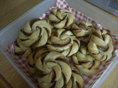 Olga's cuisine...και καλή σας όρεξη!!!: Μερεντοζυμαράκια!! Biscuits, Caramel, Cookies, Stuffed Mushrooms, Bread, Vegetables, Desserts, Recipes, Food