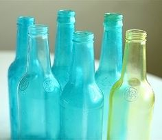 Color Tinting Glass Bottles and Jars Dyi, Easy Diy, Simple Diy, Bottles And Jars, Glass Bottles, Painted Bottles, Mason Jars, Decorated Bottles, Beer Bottles