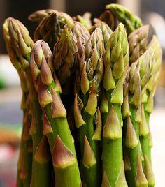 A 16 legjobb lúgosító táplálék Asparagus, Fruit, Vegetables, Food, Studs, Essen, Vegetable Recipes, Meals, Yemek