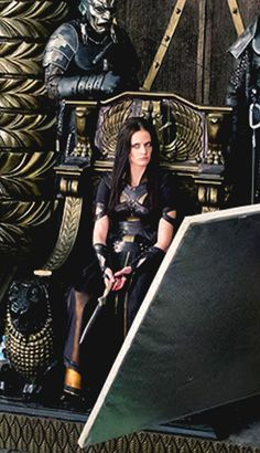 Eva Green | Behind the scenes of '300: Rise of an Empire' Eva Green 300, Ava Green, Eva Green Penny Dreadful, Female Villains, Bond Girls, Provocateur, French Actress, Movie Costumes, Dark Souls