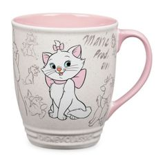 Disfruta de una bebida verdaderamente distinguida con una gata acostumbrada al lujo. Esta elegante taza de Marie forma parte de la colección Animation e incluye una bonita ilustración tipo boceto de la estrella de Los Aristogatos.
