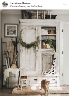 Perfect French Shabby Chic Interior Design – Shabby Chic Home Interiors Shabby Chic Kitchen, Shabby Chic Homes, Shabby Chic Decor, Shabby Cottage, Rustic Cottage, Rustic Decor, Kitchen Decor, Shabby Chic Furniture, Painted Furniture