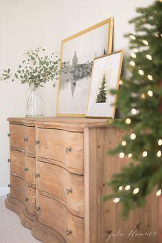 Home Interior Salas .Home Interior Salas Romantic Master Bedroom, Beautiful Bedrooms, Christmas Lights In Bedroom, Stained Dresser, Ideas Hogar, Home Decor Bedroom, Bedroom Ideas, Bedroom Furniture, Interior Livingroom