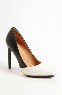 Professionelle: Black/White Heel