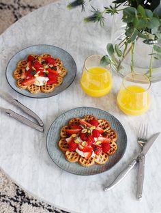 Healthy & delicious banana waffles