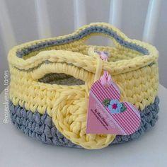 Esse é o meu xodó gente, sou apaixonada por ele, tamanho e modelo certo de fofurice  Amo em todas as cores que já fiz e pretendo fazer em outras combinações #cestos #basket #crochet #trapillo #fiosdemalha #totora