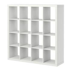 EXPEDIT Hylly IKEA Kauttaaltaan viimeistelty, minkä ansiosta soveltuu myös tilanjakajaksi.