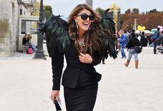 Anna Della Russo at Christian Dior Show by Tommy Ton H&m Fashion, Fashion Videos, New York Fashion, World Of Fashion, London Fashion, Funky Fashion, Fashion Killa, Street Fashion, Christian Dior