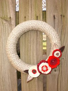 Felt and Yarn Flower Wreath Paisley Stencil, Stenciled Curtains, Yarn Flowers, Habitats, Stencils, Felt, Wreaths, Crafty, Holiday Ideas