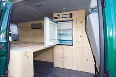Kühlschrank im VW Bus