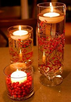 Fall Centerpieces With Floating Candles.So sweet and simple for fall/Christmas decorations! Noel Christmas, Winter Christmas, All Things Christmas, Simple Christmas, Homemade Christmas, Nordic Christmas, Rustic Christmas, Christmas Berries, Christmas Chair