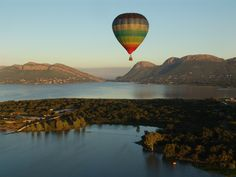Hot air balloon safari. Magaliesberg, SOUTH AFRICA