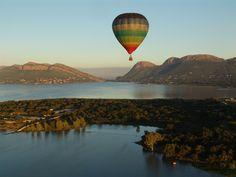 Hot air balloon safari. Magaliesberg, SOUTH AFRICA