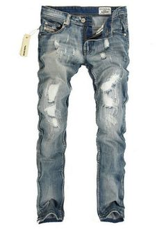 These jeans legitimately look like they were taken off a victim of some sort of terrible accident at a crime scene. Teen Boy Fashion, Bad Fashion, Mens Fashion Shoes, Fashion Outfits, Stylish Men, Men Casual, Underground Clothing, Rocker Look, Denim Jeans