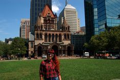 Boston is one of the oldest cities in the U.S..Thanks to the best universities in the world, namely Harvard and the Massachusetts Institute of Technology, Boston is the main scientific center and at the same time belong to the richest cities on the east coast. Discover the capital of Massachusetts with me!