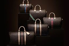C& Chic: From everyday sexy to a weekend in Paris, Louis Vuitton& personalized Mon Monogram handbag compliments every occasion. Gift mom with this ultra luxurious treat on mother& day! Louis Vuitton Monograme, Vuitton Bag, Louis Vuitton Handbags, Chez Louis, Sacs Louis Vuiton, Elements Of Style, Glamour, Blog Deco, Lv Handbags