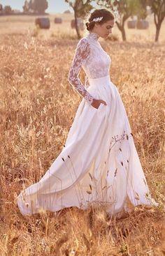 Wedding Dress: Atelier Eme 2017