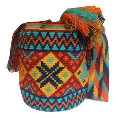 mochila wayuu from luloplanet wayuubags torba wayuu Colombia Kolumbia Knit Or Crochet, Crochet Crafts, Hand Crochet, Crochet Projects, Tapestry Crochet Patterns, Knitting Patterns, Crochet Bag Tutorials, Tapestry Bag, Crochet Purses