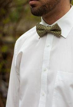 Mens green polka dot bow tie Polka Dot Bow Tie, Polka Dots, Ties, Green, Wedding, Bolo Tie, Tie Dye Outfits, Mariage, Neck Ties