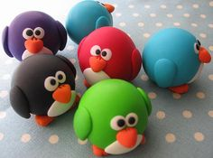 Cute penguins. These are clay but fondant would work too :-)