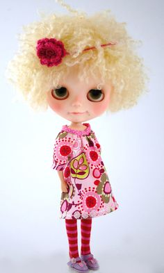 Not usually a fan of Blythes, but I love her disgruntled little smirk.