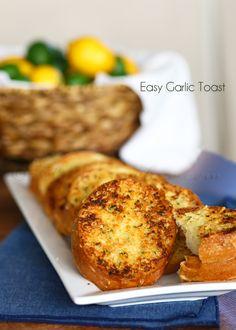 Easy Garlic Toast : Easy Family Dinner Ideas on kleinworthco.com