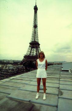 Queen of Paris Us Open, School Pictures, School Pics, American Tennis Players, Tennis Serve, Tennis Legends, Tennis Quotes, Vintage Tennis, Tennis Stars