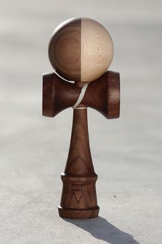 Wooden Kendama Adult Drinking Games, Cup Games, Cool Toys, Awesome Toys, Japanese Toys, Lathe Projects, Gadgets And Gizmos, 16th Century, Wood Turning