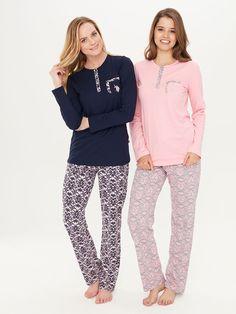 US Polo 15708 Bayan Patlı Pijama Takım Bayan Pijama, online bayan pijama, 2017 bayan pijama. #BayanPijama #OnlineBayanPijama #2017BayanPijama #BayanGiyim #EvGiyimi #KışlıkBayanPijama #YeniSezon #Sonbahar #markhacom Cute Pajama Sets, Cute Pajamas, Pajamas Women, Womens Pj Sets, Night Suit, Barefoot Girls, Fashion Night, Lingerie Collection, Dress Suits