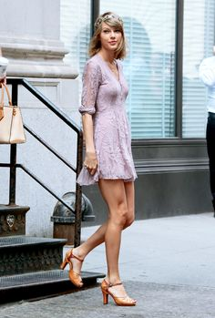 Summer Street Style Fashion: Taylor Swift wore vintage headband and lilac lace mini dress with camel tan color peep-toe mary jane sandals out and about NYC. Taylor Swift Hot, Taylor Swift Style, Long Sleeve Short Dress, Short Dresses, Lacy Dresses, Taylor Swift Pictures, Street Style Summer, Purple Dress, Pretty Dresses