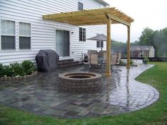 75 Relaxing Summer Backyard Patio Outdoor Seating Ideas There is just an outdoor fire pit seating and there are seating ideas that are just spectacular. Someone with good taste and knowledge has created these designs, and we got to learn from th Concrete Patio Designs, Paver Designs, Backyard Patio Designs, Backyard Landscaping, Landscaping Ideas, Paved Backyard Ideas, Concrete Patios, Pergola Design, Pergola Patio